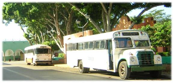 buses to Yaxhachen